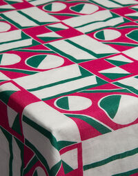 Geometrico Rosa Large Tablecloth (180x280)