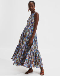Sleeveless Big Dress 1